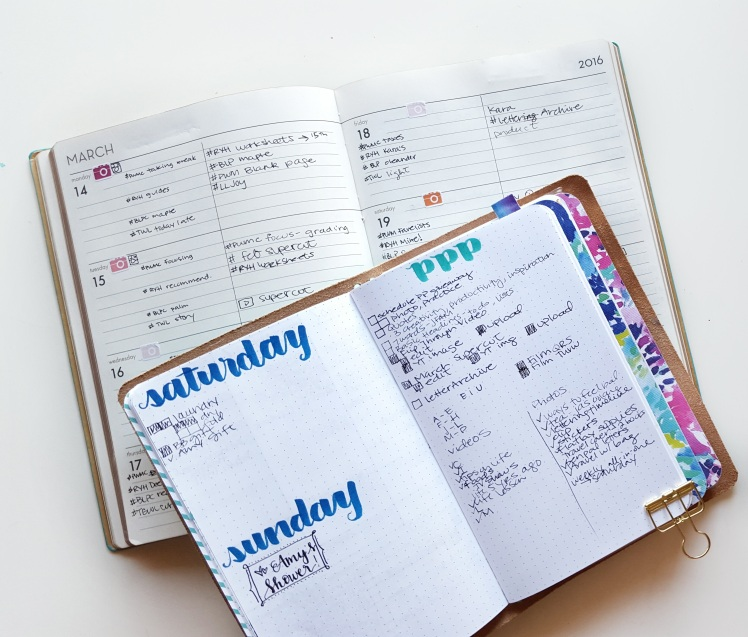 Based on what is in my social media weekly, I place my prep tasks in my bullet journal - more details on the blog! // www.prettyprintsandpaper.com